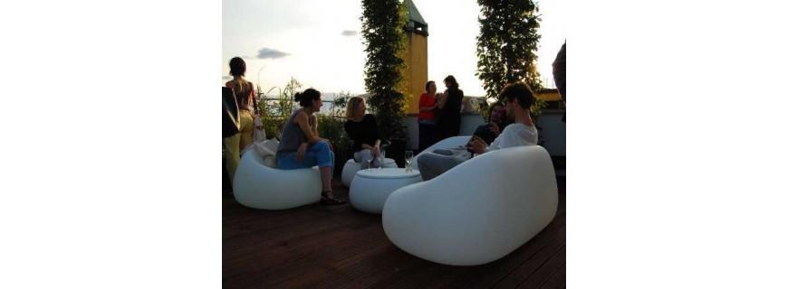 Arredo giardino vasi in resina vasi di design vasi for Mobili da giardino resina